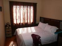 Main Bedroom - 10 square meters of property in Claremont