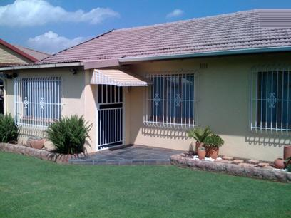 2 Bedroom House for Sale For Sale in Sophiatown - Home Sell - MR61457