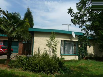 3 Bedroom House for Sale For Sale in Elarduspark - Private Sale - MR62294