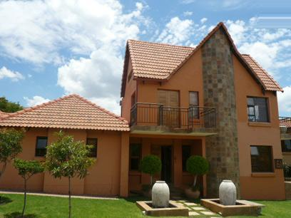 4 Bedroom House For Sale in Wapadrand - Home Sell - MR62298