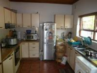 Kitchen - 13 square meters of property in Brackenfell