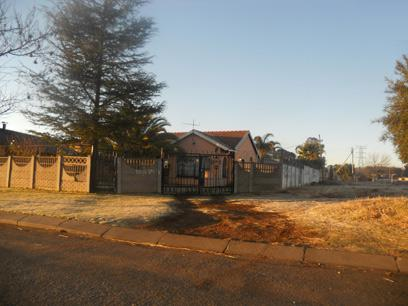Standard Bank Repossessed 3 Bedroom House for Sale For Sale in Ennerdale - MR62455