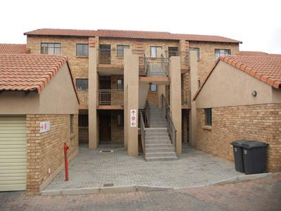 Standard Bank Repossessed 2 Bedroom Simplex for Sale on online auction in Midrand - MR62511