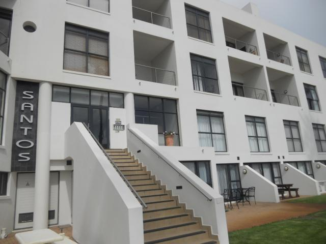 Standard Bank Repossessed 2 Bedroom Simplex for Sale on online auction in Mossel Bay - MR62514