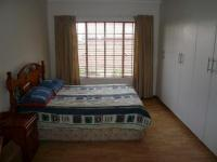 Main Bedroom - 20 square meters of property in Theresapark