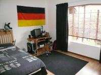 Bed Room 1 - 16 square meters of property in Theresapark