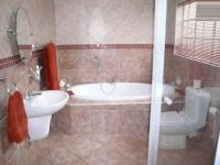 Main Bathroom - 12 square meters of property in Theresapark