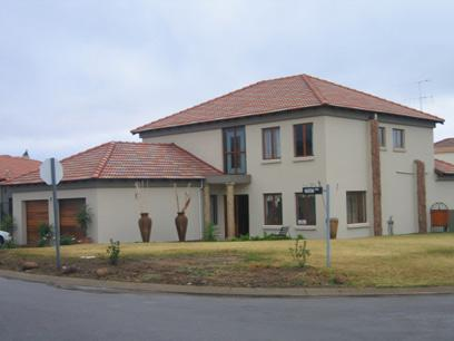 3 Bedroom House for Sale For Sale in Silver Lakes Golf Estate - Private Sale - MR63121