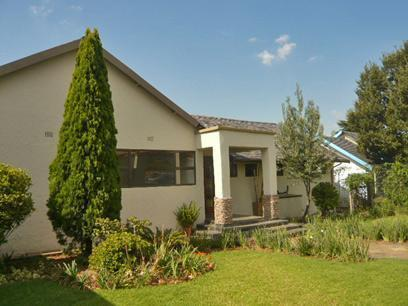3 Bedroom House for Sale For Sale in Krugersdorp - Private Sale - MR63340