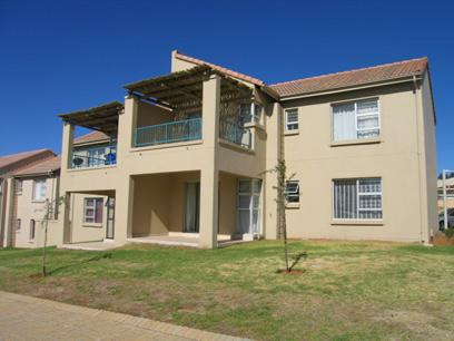 2 Bedroom Simplex for Sale For Sale in Silver Lakes Golf Estate - Private Sale - MR64124