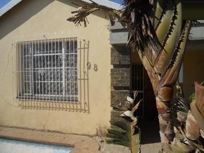 Standard Bank Repossessed 3 Bedroom House for Sale For Sale in Rosettenville - MR64443