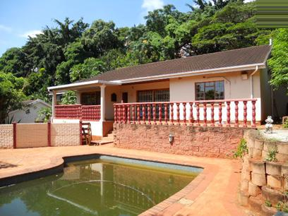 Standard Bank Repossessed 3 Bedroom House For Sale in Westridge - MR64460