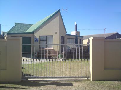 Standard Bank Repossessed 2 Bedroom House for Sale For Sale in Aston Bay - MR64462