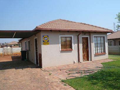Standard Bank EasySell 2 Bedroom House for Sale For Sale in The Orchards - MR64512