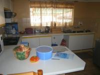 Kitchen - 8 square meters of property in The Reeds