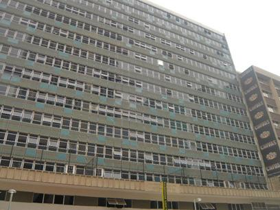 1 Bedroom Apartment for Sale For Sale in Johannesburg Central - Private Sale - MR65293