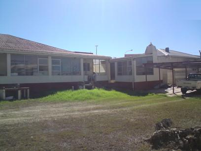 Standard Bank Repossessed 4 Bedroom House for Sale For Sale in Jeffrey's Bay - MR65450