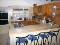 Kitchen - 23 square meters of property in Magalieskruin