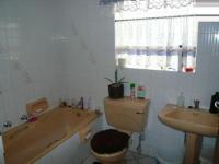 Bathroom 2 - 6 square meters of property in Magalieskruin