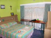 Bed Room 1 - 12 square meters of property in Meredale