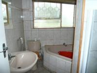 Bathroom 1 - 6 square meters of property in Meredale