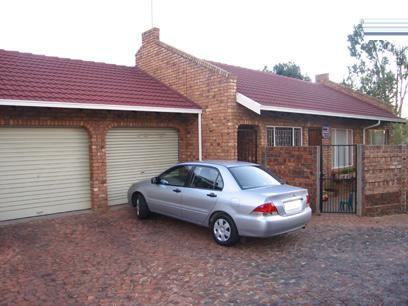 3 Bedroom Simplex for Sale and to Rent For Sale in Garsfontein - Home Sell - MR66127