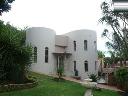 3 Bedroom House for Sale For Sale in Waterkloof Glen - Private Sale - MR66291