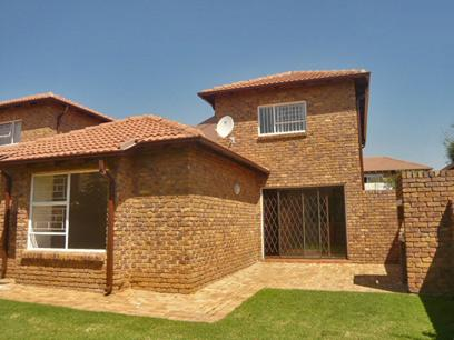 3 Bedroom House for Sale For Sale in Weltevreden Park - Home Sell - MR66346