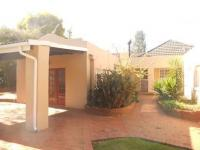 3 Bedroom 2 Bathroom in Waterval Estate