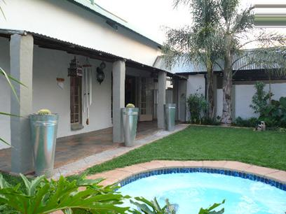 3 Bedroom Duet For Sale in Moreletapark - Home Sell - MR67345