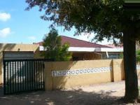 3 Bedroom 2 Bathroom in Rosettenville