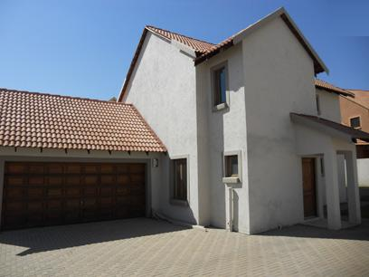 Standard Bank Mandated 3 Bedroom House for Sale on online auction in Kosmosdal - MR67505