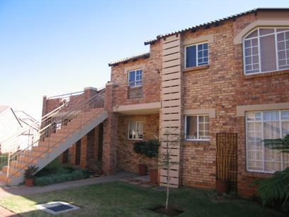 2 Bedroom Simplex for Sale For Sale in Mooikloof Ridge - Private Sale - MR68121
