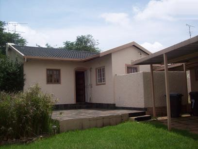 Standard Bank Repossessed 3 Bedroom House for Sale For Sale in Witpoortjie - MR68445