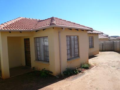 Standard Bank Repossessed 3 Bedroom House for Sale For Sale in Cosmo City - MR68446