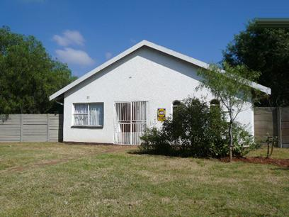 Standard Bank Repossessed 3 Bedroom House for Sale For Sale in Mayberry Park - MR68463