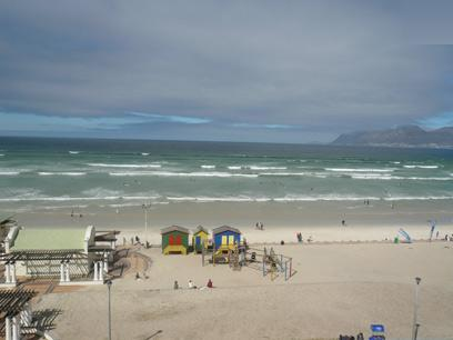 1 Bedroom Apartment For Sale in Muizenberg   - Private Sale - MR69341