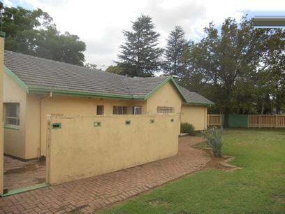Standard Bank Repossessed 3 Bedroom House for Sale For Sale in Parkhill Gardens - MR69452