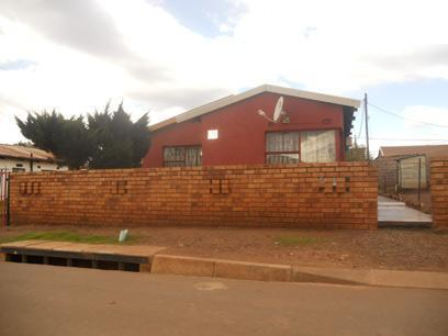 Standard Bank Repossessed 3 Bedroom House on online auction in Thokoza - MR69468