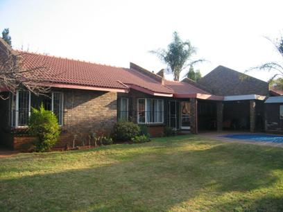 3 Bedroom Duet For Sale in Newlands - Private Sale - MR70124
