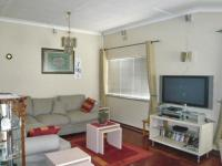 Lounges - 10 square meters of property in Edenvale