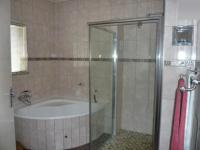 Bathroom 1 - 5 square meters of property in Edenvale