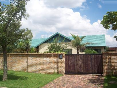 Standard Bank Repossessed House for Sale For Sale in Boksburg - MR70453