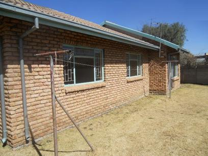 Standard Bank Repossessed 3 Bedroom House for Sale For Sale in Springs - MR70454