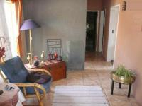 Lounges - 26 square meters of property in Rooihuiskraal