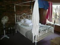 Main Bedroom - 18 square meters of property in Rooihuiskraal