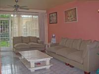 Lounges - 18 square meters of property in Benoni