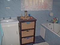 Main Bathroom - 2 square meters of property in Benoni