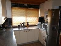 Kitchen - 9 square meters of property in Parrow Valley