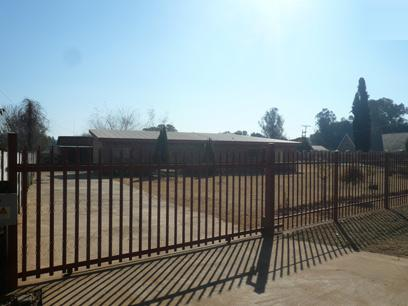 Standard Bank Repossessed 2 Bedroom House for Sale For Sale in Henley-on-Klip - MR73456